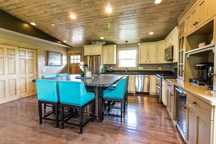 53 CUSTER DR, Star Valley Ranch, WY 83127