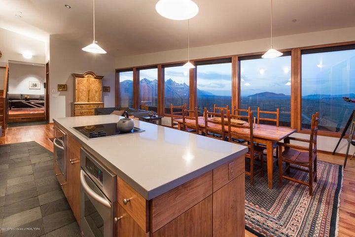 Kitchen/ dining view 2