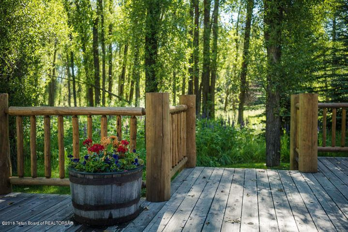 Back Deck To Yard