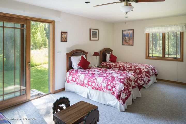 lst Fl Bedroom(1)