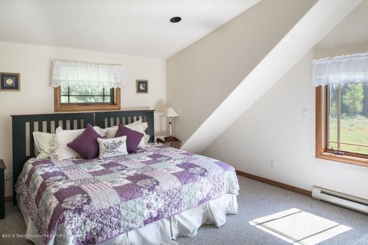 2nd Fl Bedroom(2)