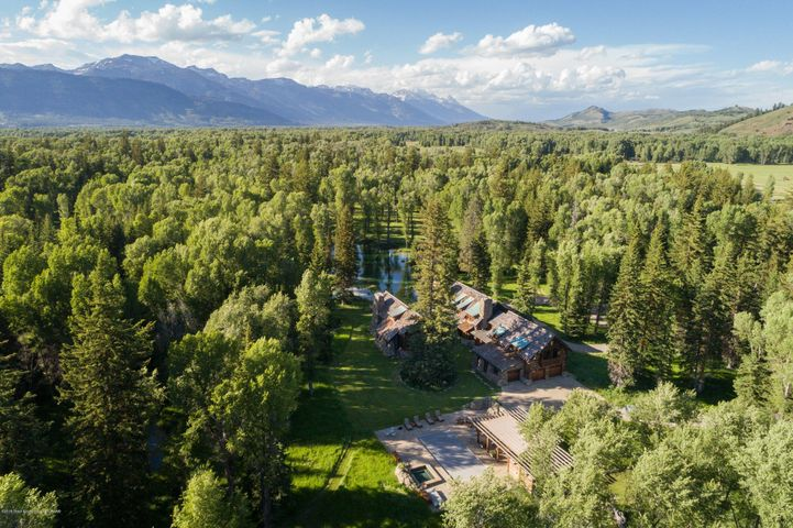 1275 ELY SPRINGS RD <br>Jackson, WY