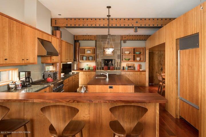 6- Kitchen