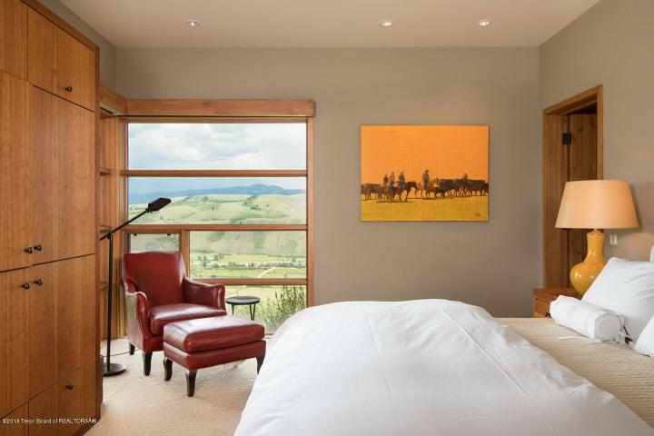 14- Guest Room