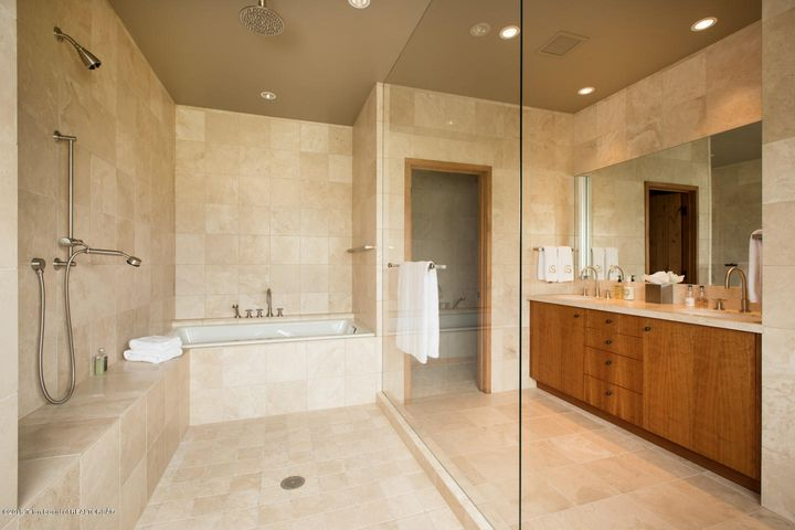 15- Spa Bathroom