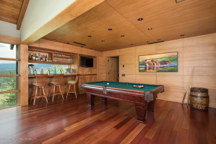18- Game Room