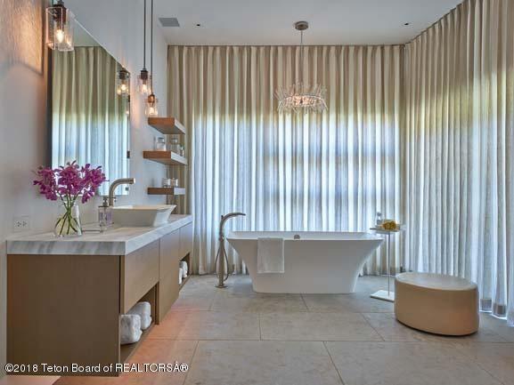 Guest Suite Luxury Bath