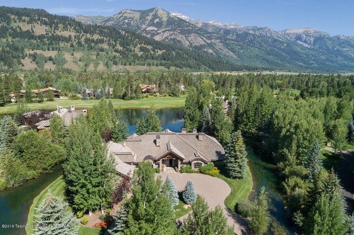 Mountain Views & Private Setting