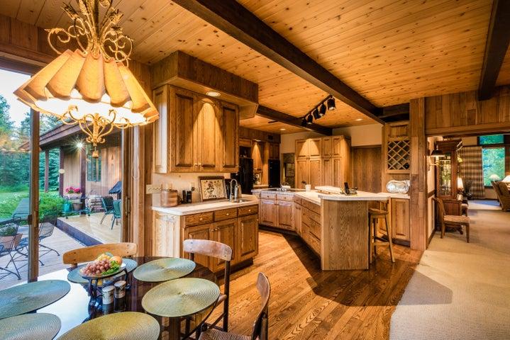 Spacious kitchen for entertainment