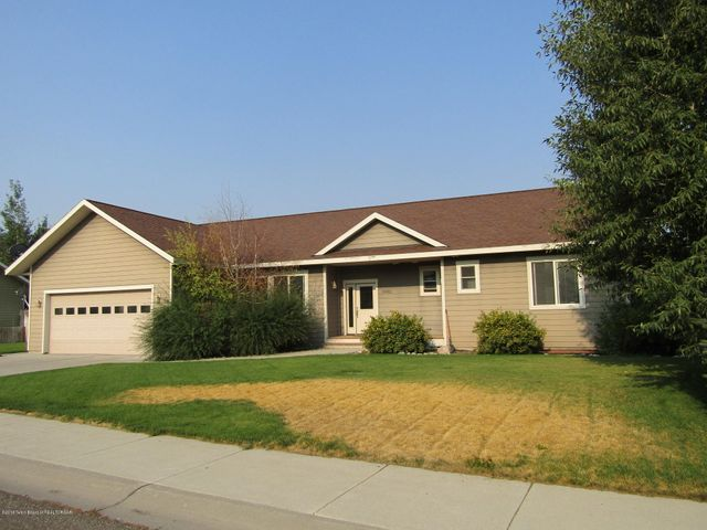 8902 AVERY DR, Victor, ID 83455