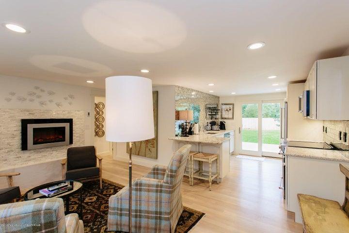4. Living Room - Entry Alt