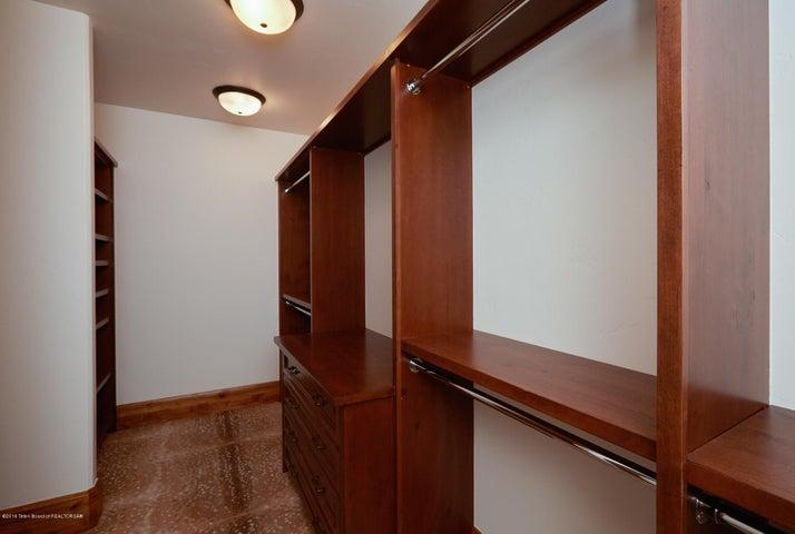 closet built-ins