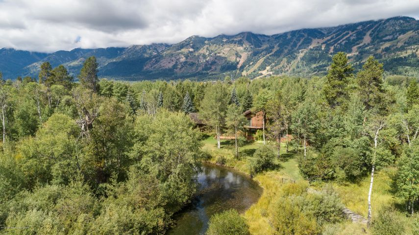 Aerial2 of house on Lake Creek