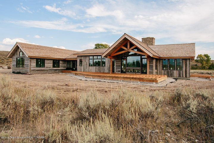 Ideal Layout Captures Teton Views