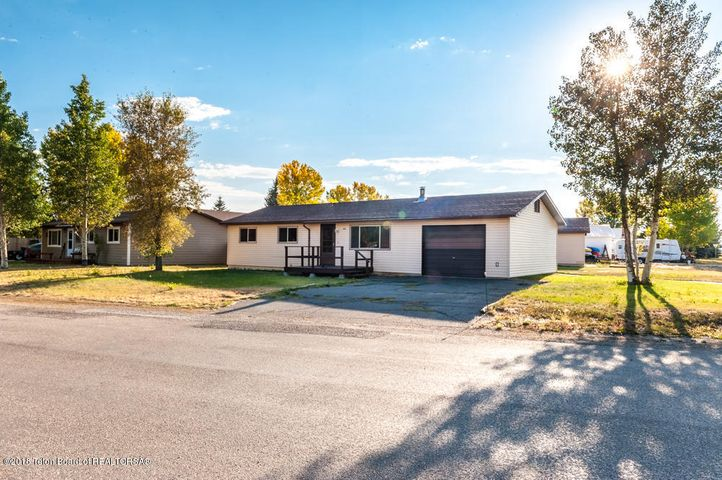 406 S LINCOLN AVE, Pinedale, WY 82941