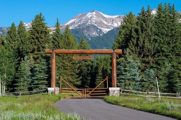 Entrance.Ranch.Gates