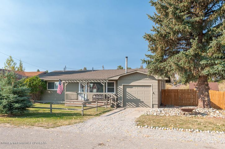 564 S FREMONT AVE, Pinedale, WY 82941