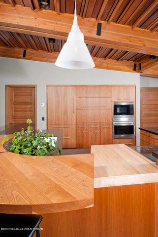 kitchen storage and layout