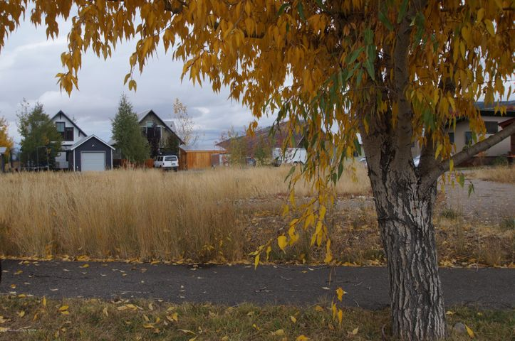 9071 OLD JACKSON HWY, Victor, ID 83455