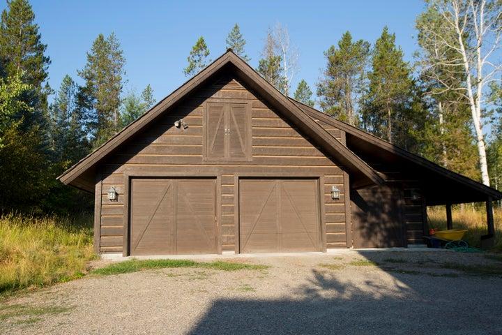 detached garage summer