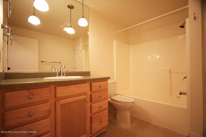 Scott 815 Upper Cache Creek Guest Bath 1