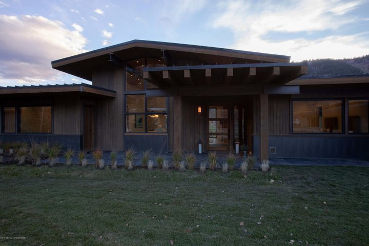 Fairway Lodge - Entrance