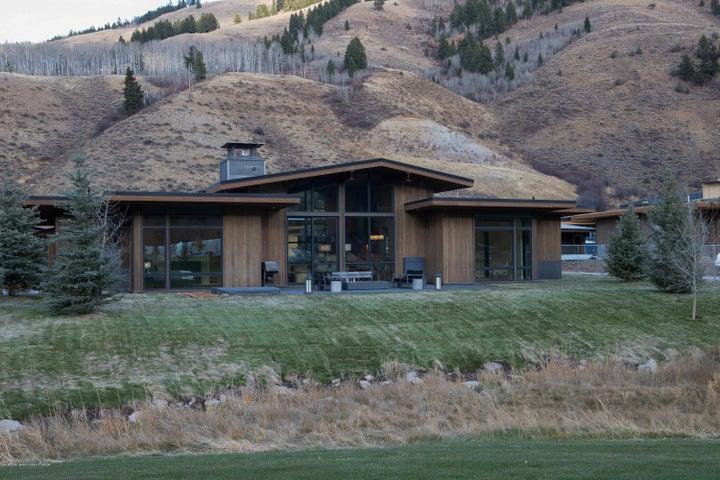 Fairway Lodge - Exterior