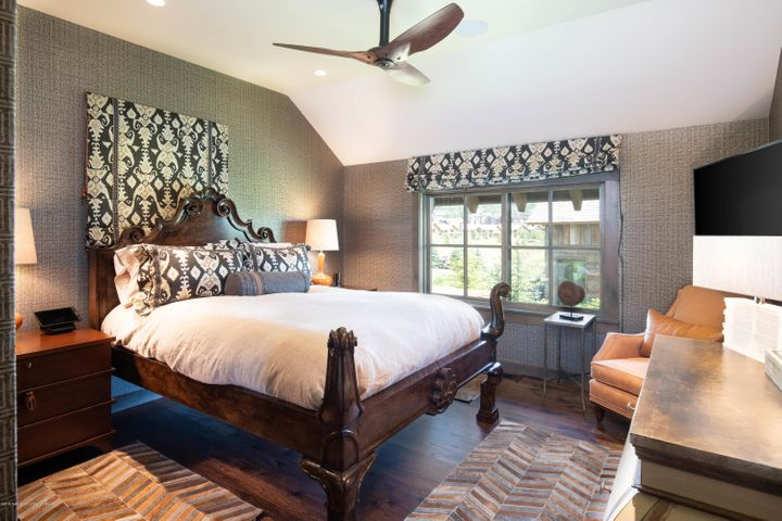 15 Upstairs Guest Room