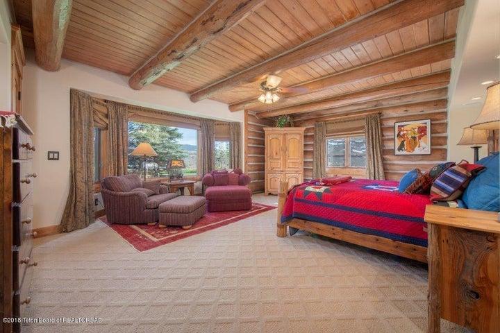 Guest.Bedroom Main Level