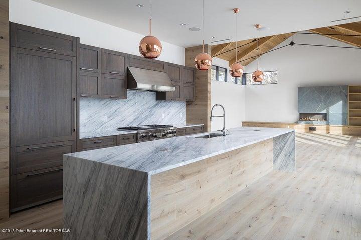 4- Kitchen & Living