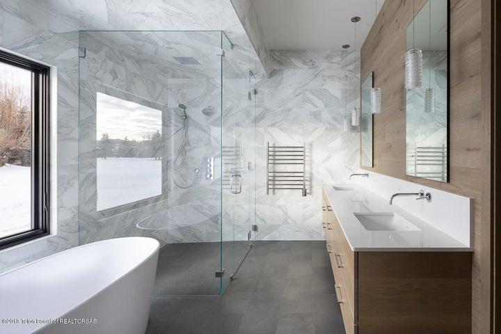 9 - Master Bath