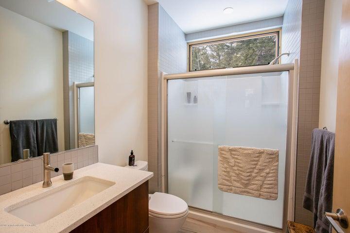 Guest House -Bath