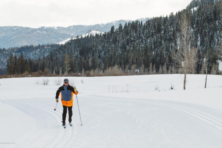 23. Cross Country Skiing