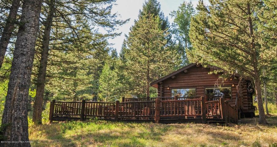 front of cabin w:decks - summer