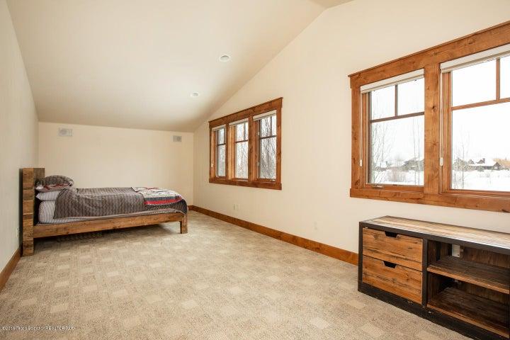 11 Guest Bedroom 1