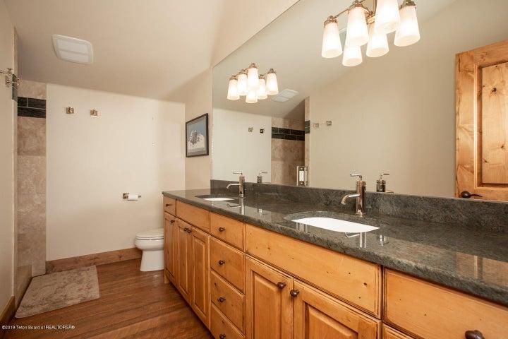 12 Guest Bathroom