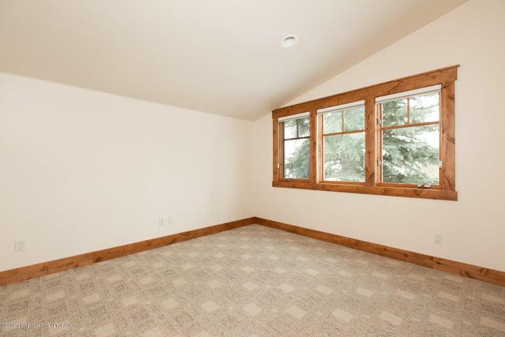 13 Guest Bedroom 2