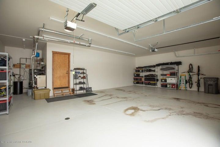 17 3-Car Garage