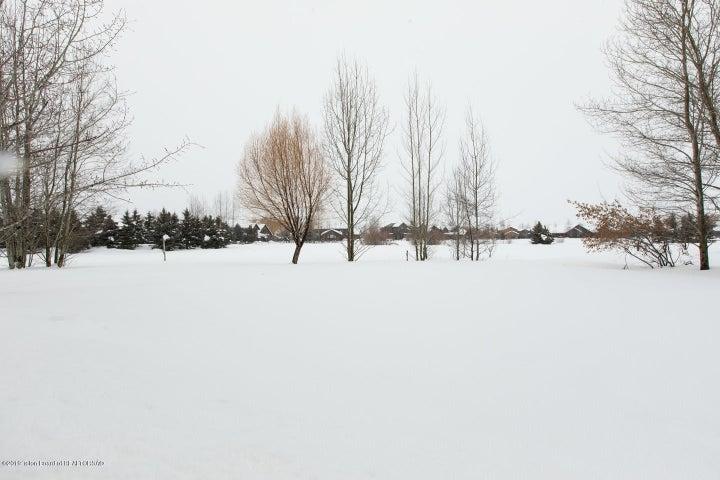 18 Pond View