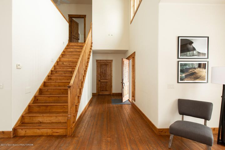 7 Hallway and Stairway