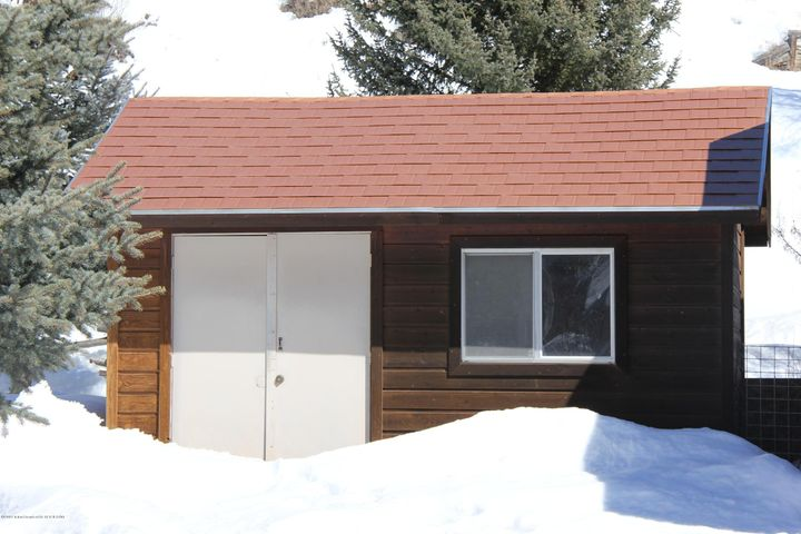 19 10' x 16' Shed