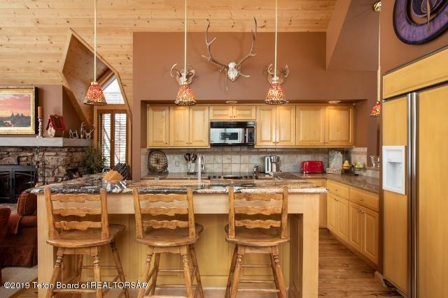 5. White Pine Lane Kitchen (640x427)