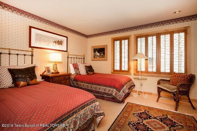 10. White Pine Lane Bedroom 2 (640x427)