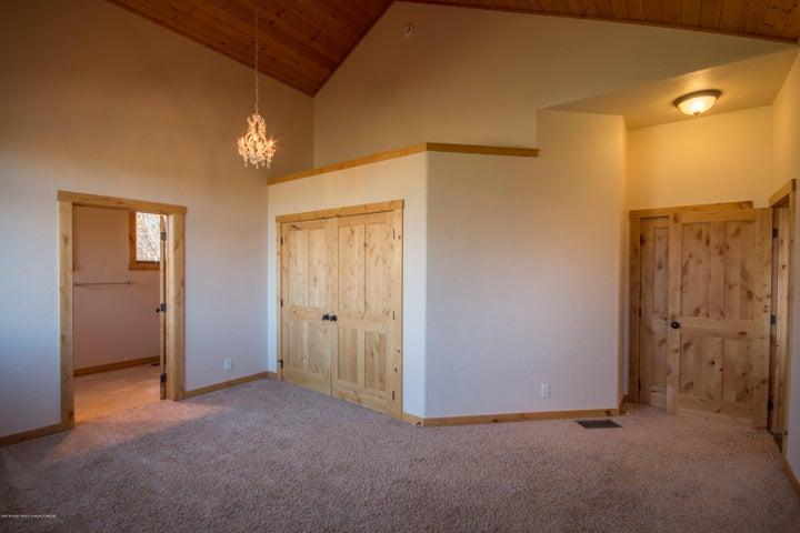 Main Floor Guest Suite 2