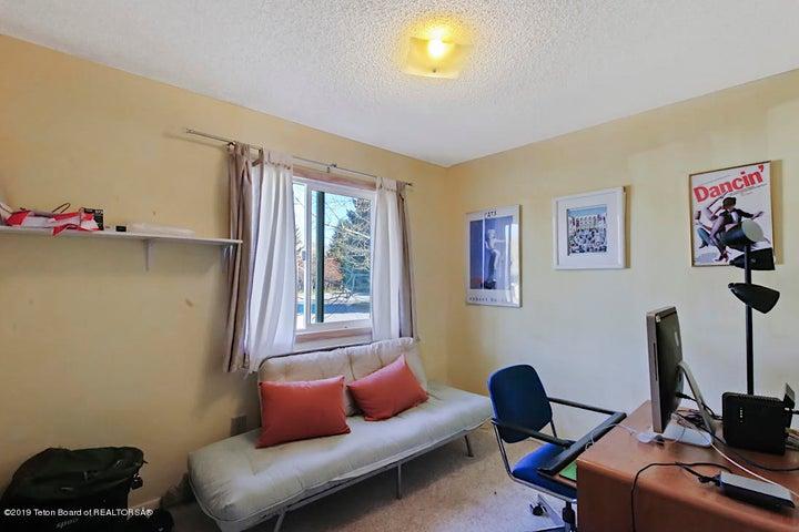 Bedroom 3 /Office