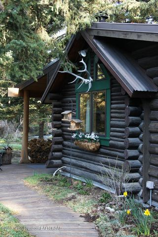 French Cabin 3 100 dpi