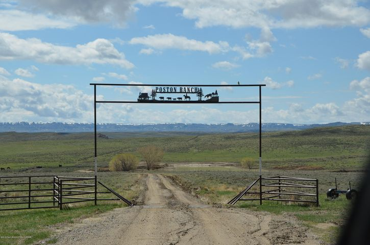 690 POSTON RANCH RD <br>Riverton, WY