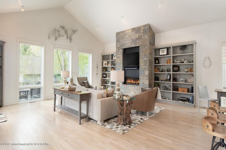 4 Living Room with Fireplace 2