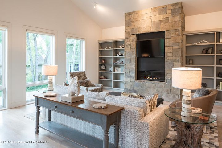 5 Living Room with Fireplace 1