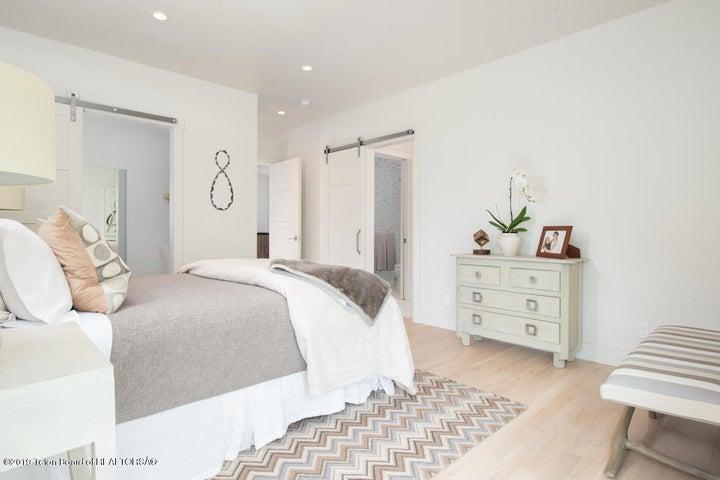 18 Guest Bedroom 2 Looking to En Suite +
